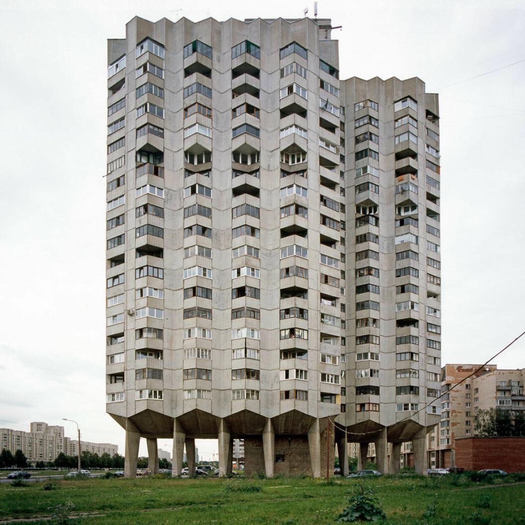 modern-forms-photo-essay-nicolas-grospierre_dezeen_936_3