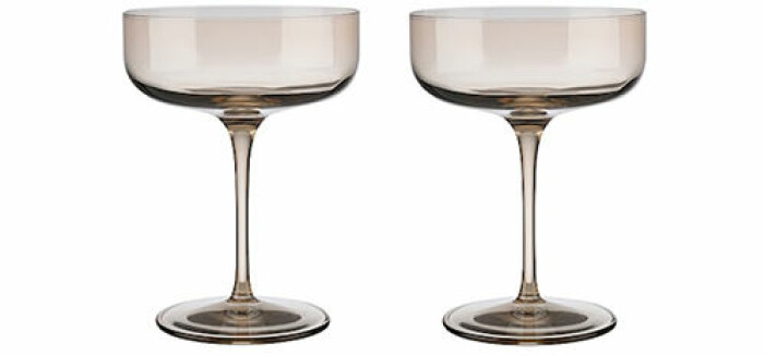 mörka champagneglas