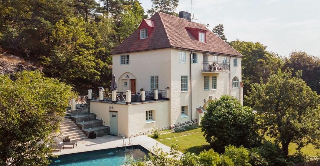 Arkitektritad villa från 1912 på 520 kvadratmeter är till salu för 34,5 miljoner.