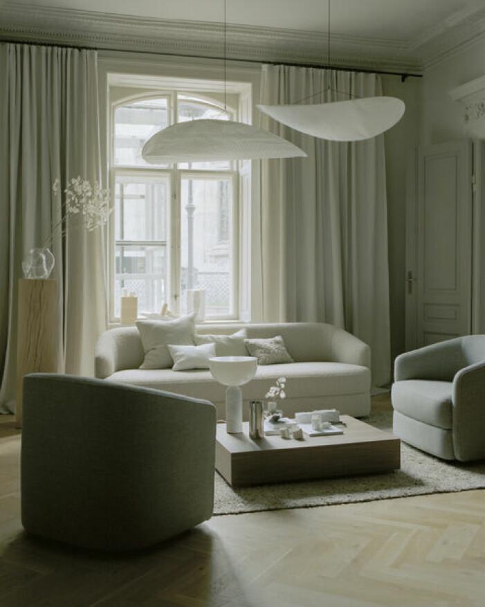 Lampan Tense hängs med fördel i grupp, från New works.
