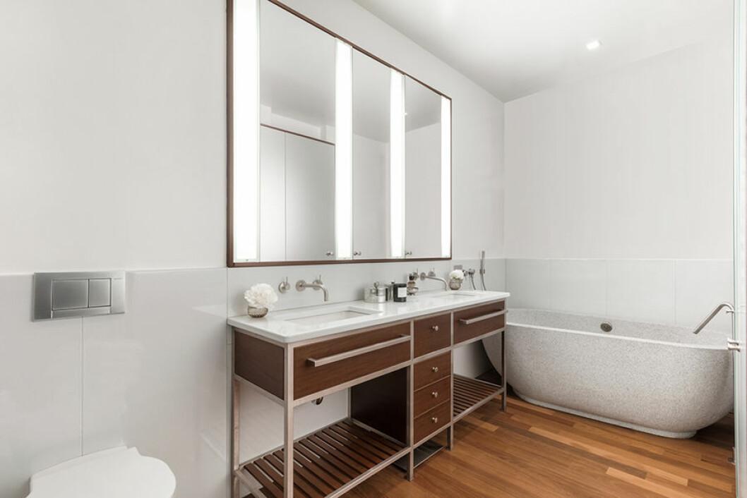 New York etage Engelbert badrum med handfat spegel