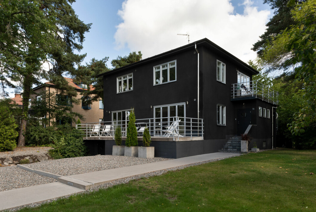Hemma hos Nude of Scandinavia-grundarna: 30-talsvilla med spa.