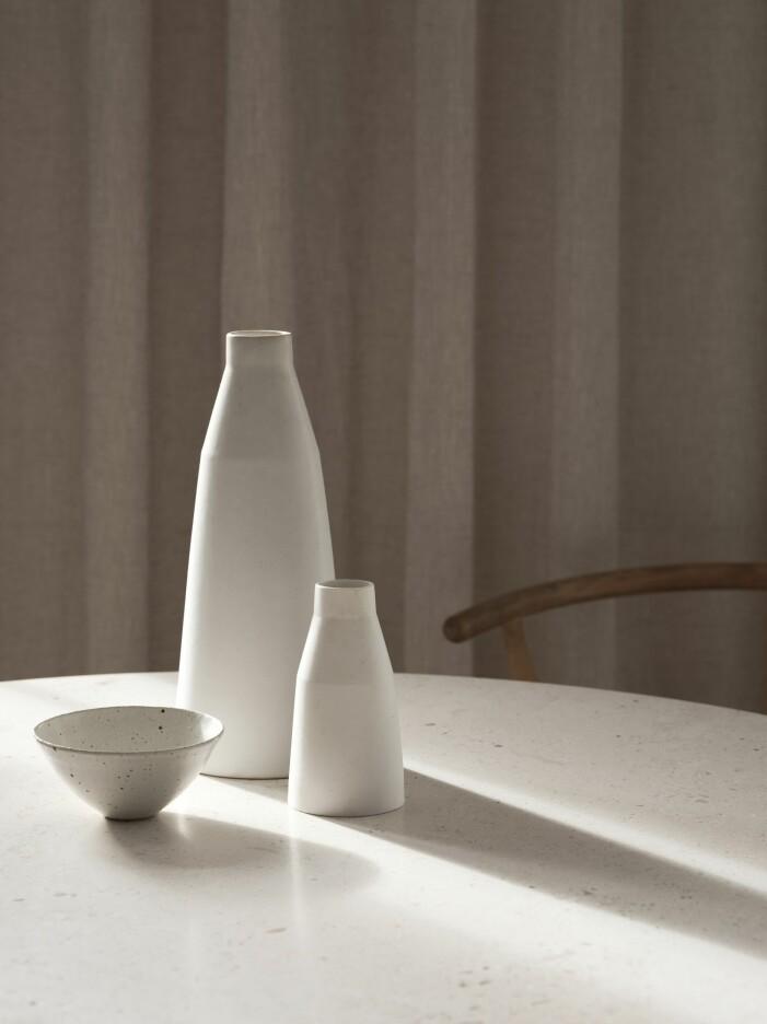 Vaser från Anna Lerinder och keramikskål från Manos shop and workshop.