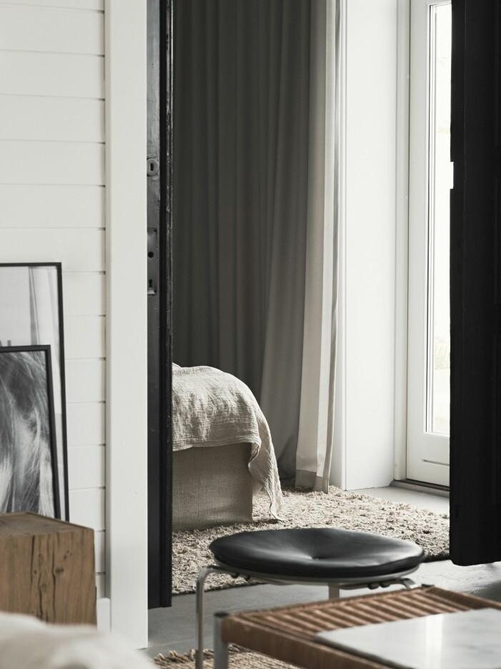 Mattan Long pile linen från Roots living hemma hos stylisten Pella Hedeby
