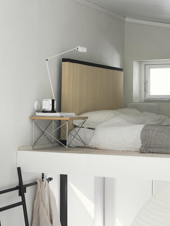 Sovloft med ekologisk futonmadrass och tatamimatta som gavel.