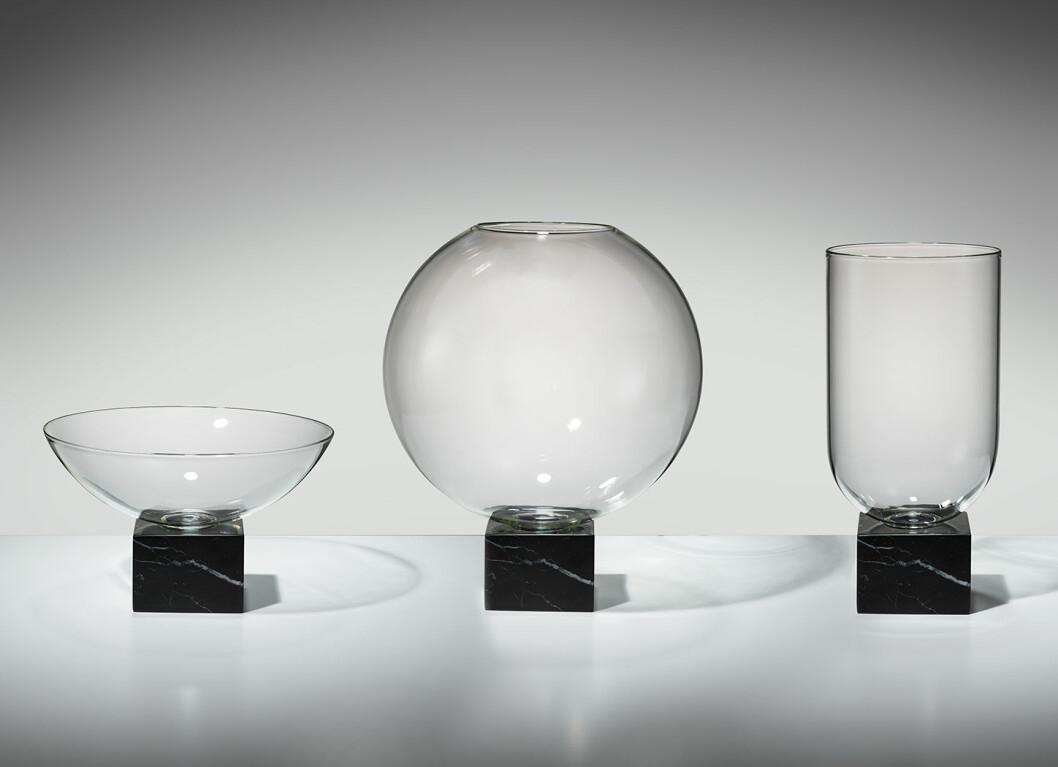 Podium-Collection-black-Lee Brom