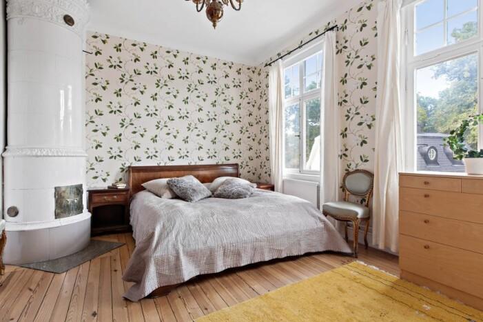 Slott till salu för 59 miljoner kronor, sovrum