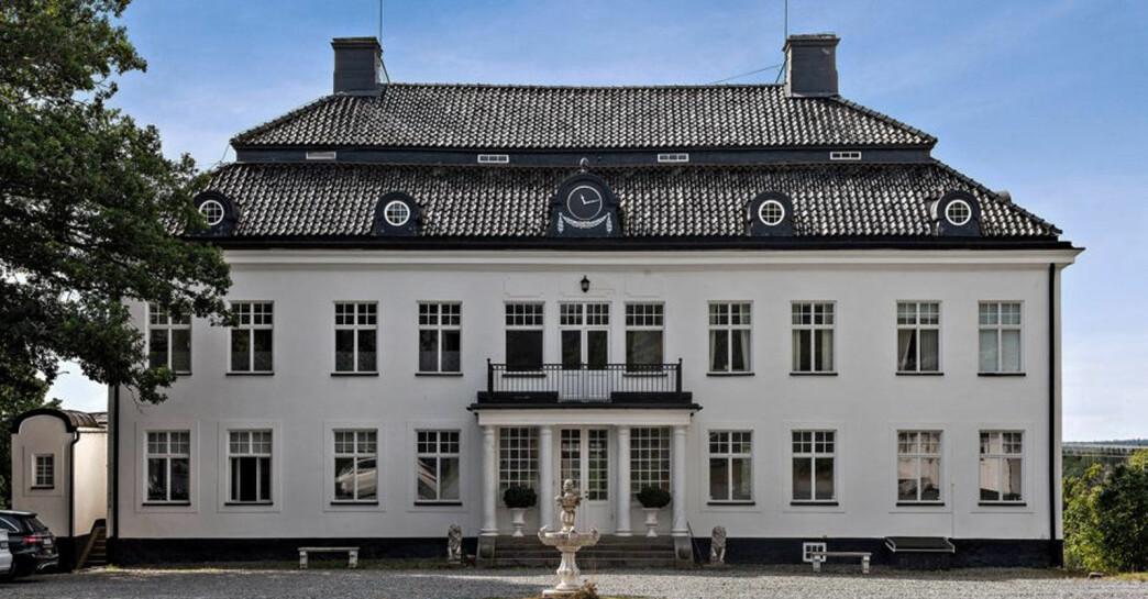 Slott till salu för 59 miljoner kronor, se bilderna på Rastaborgs slott här