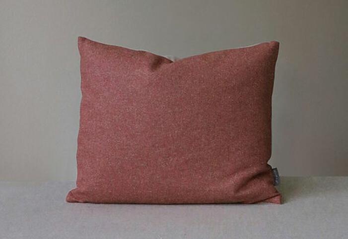 Röd kudde från Mimou