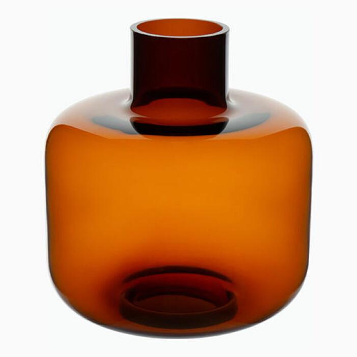 Roströd vas från Marimekko