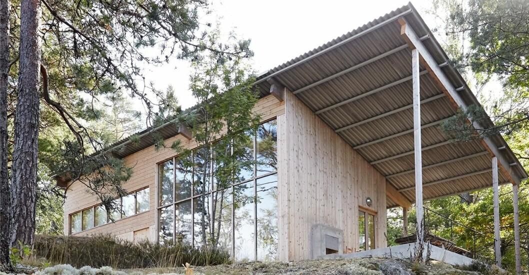 Det arkitektritade huset utan el och vatten. Mark Isitt träffar arkitekten.
