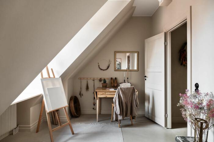 Etagelägenhet i Saltsjökvarn sex rum och balkong kontor atelje
