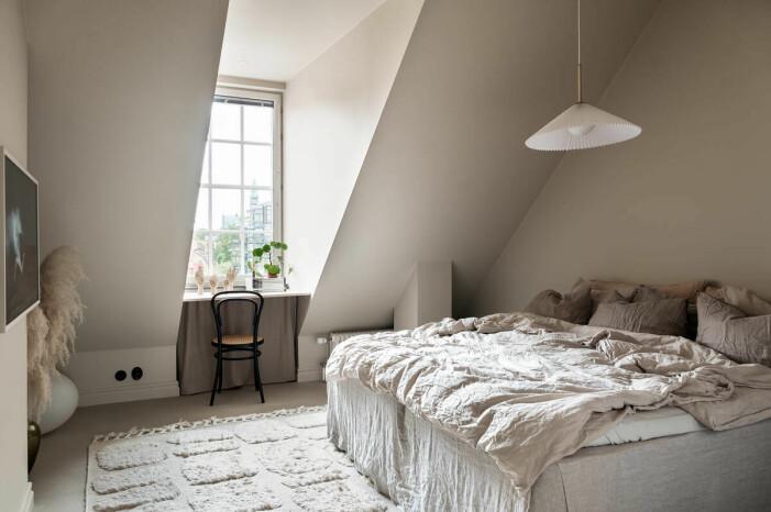 Etagelägenhet i Saltsjökvarn sex rum och balkong sovrummet