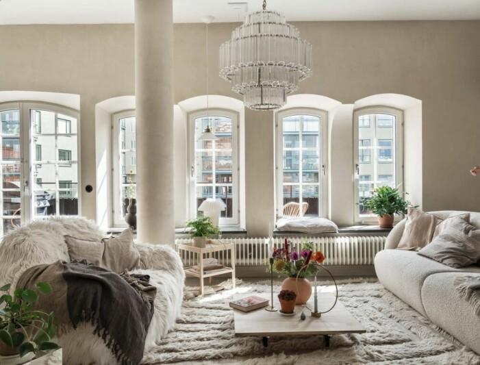 Etagelägenhet i Saltsjökvarn sex rum och balkong vardagsrum