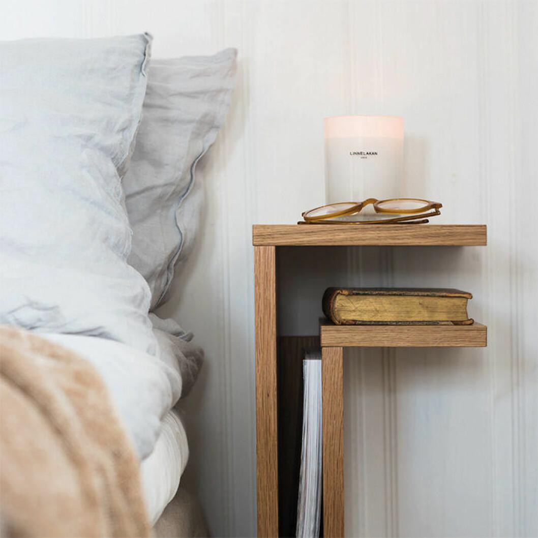 F-shelf sängbord från Maze