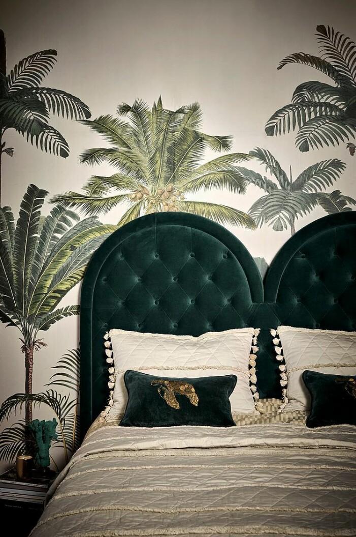 sänggavel sammet staycation