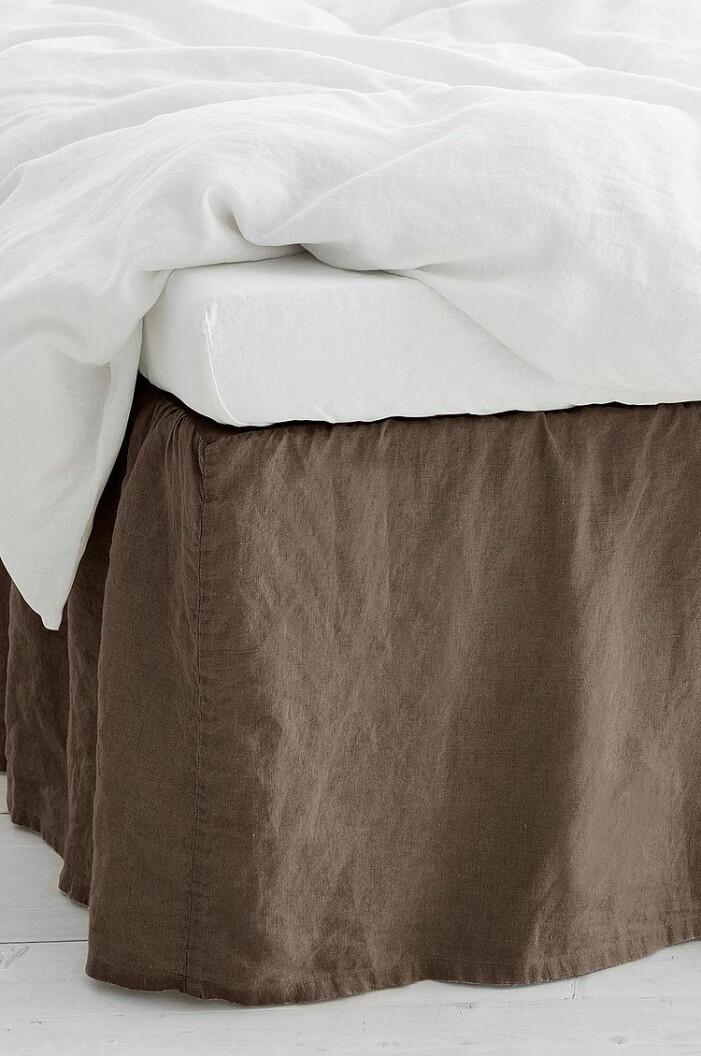 brun sängkappa linne