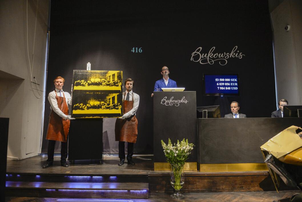 """Andy Warhols målning """"The Last Supper"""" auktionerades ut på Bukowskis i Stockholm."""