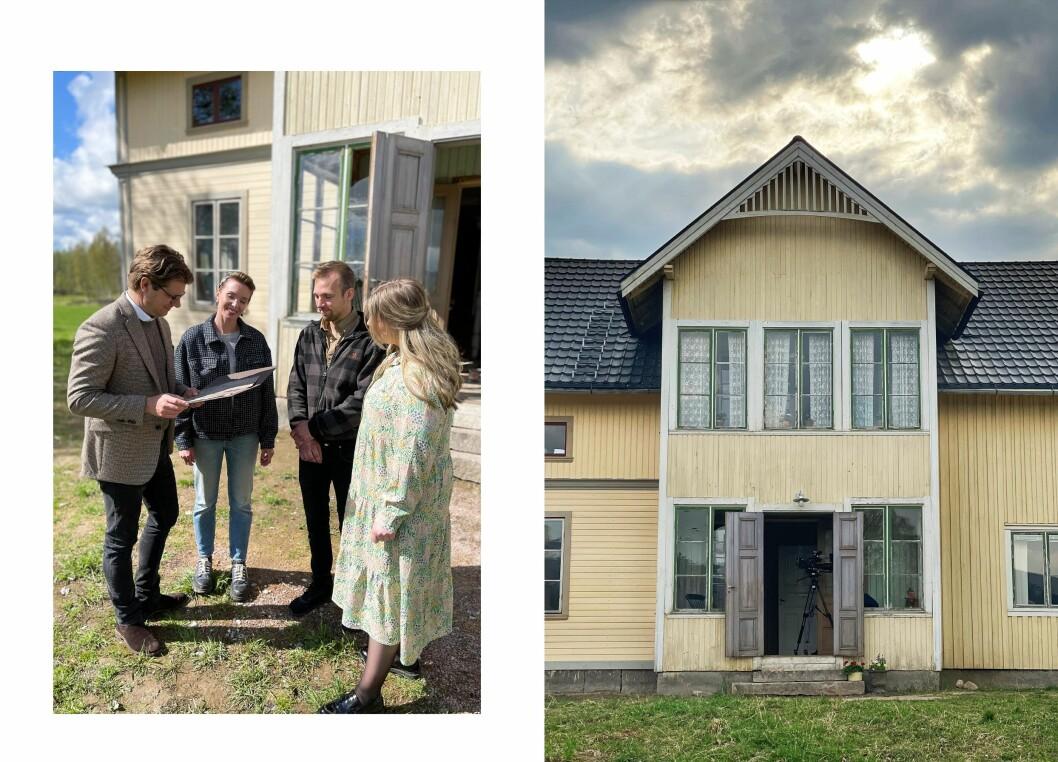 Johan und Emilia hatten lange nach alten Bildern des Hauses gesucht, um das Äußere nachzubilden.  Rickard hat vor dem Haus ein Bild von Per, Gerda und Jon aus der Zeit um 1925 ausgegraben, das er dem Ehepaar schenkt.