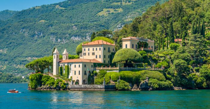 Villa vid vattnet från sent 1700-tal.