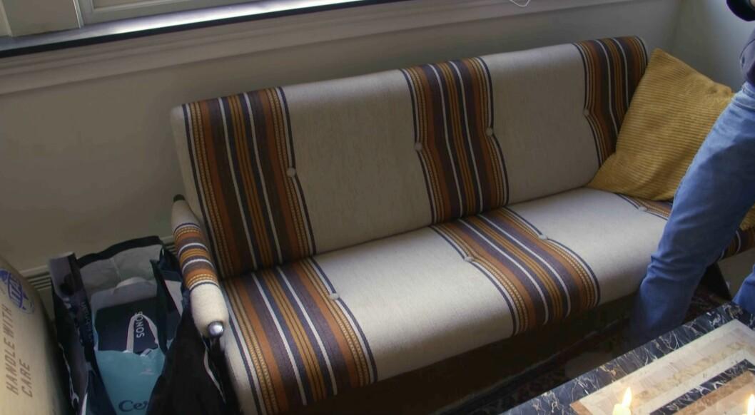 Björn Gustafssons soffa i vardagsrummet.