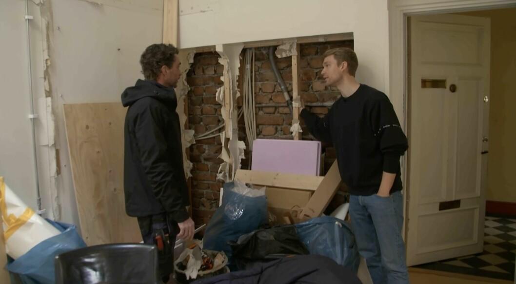 Björn river ut några väggar utan att ha fått klartecken från Anders.