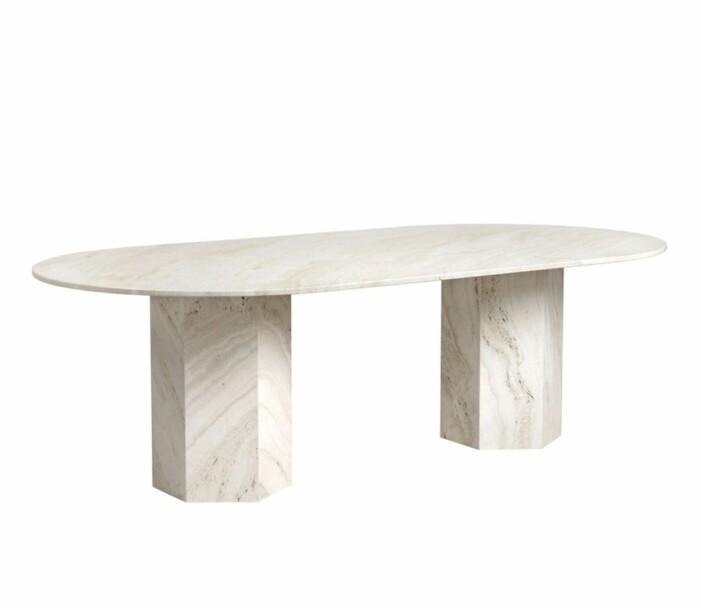 Epic Dining Table Elliptical av GamFratesi