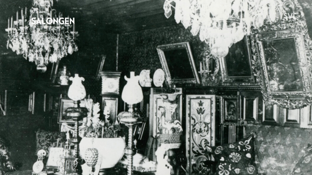 Salongen inredd i barockstil.