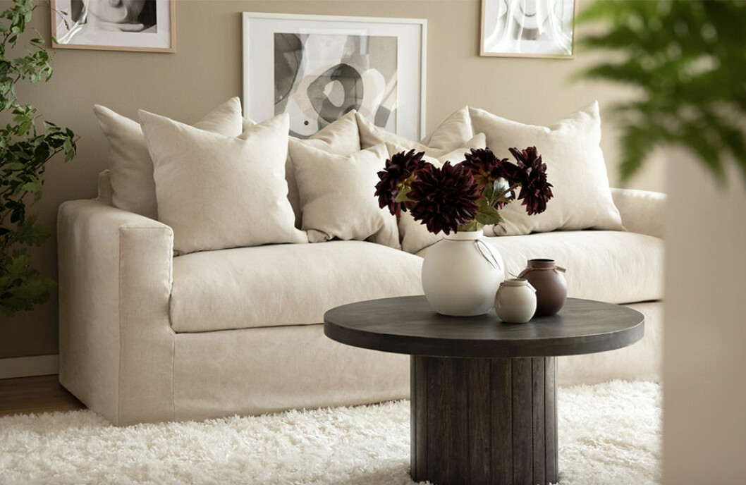 beige soffa i linne och bomull på rea