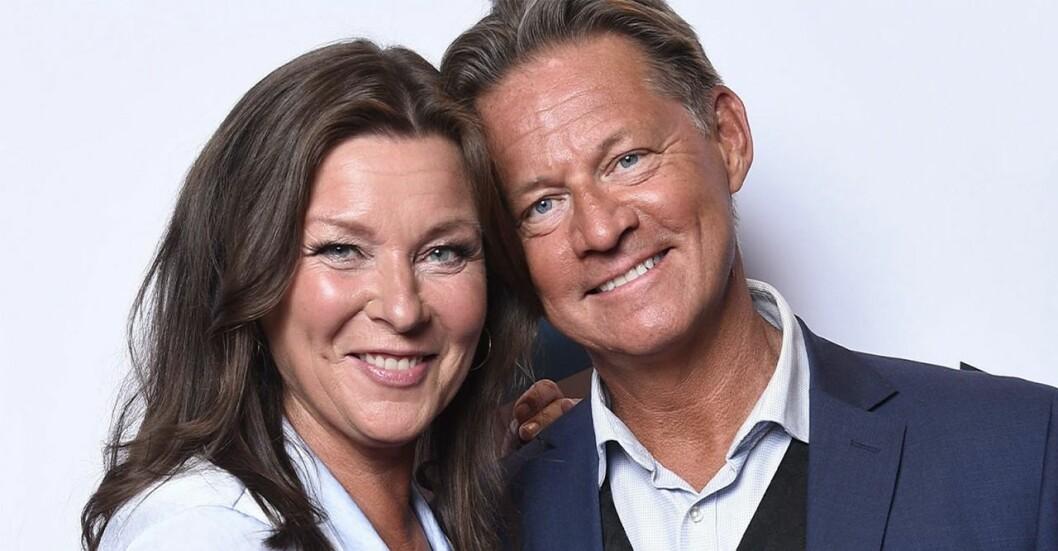Lotta Engberg och Mikael Sandström visar upp sitt nya hem som sambos!