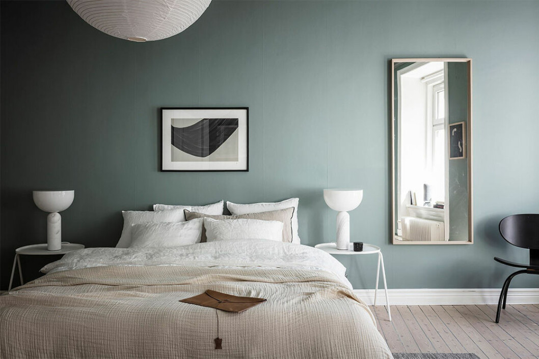väggfärg som ger sommarkänsla i sovrummet