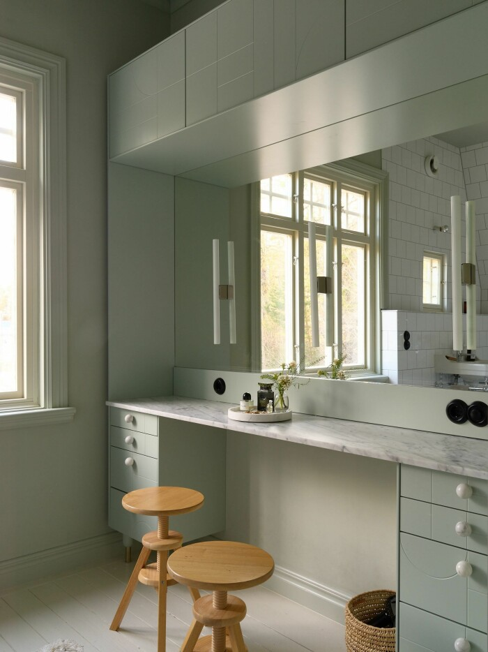 Stationshuset i Ösmo är till salu med magisk inredning badrum marmor