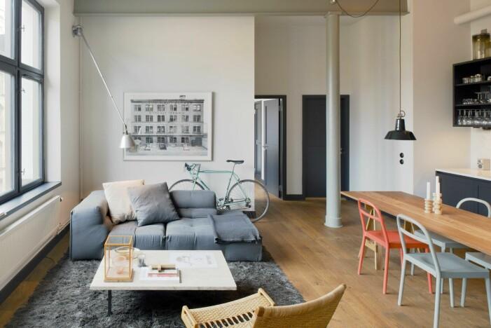 Arkitekten Andreas Martin-Löf säljer sin lägenhet i stråhattfabriken på Kungsholmen