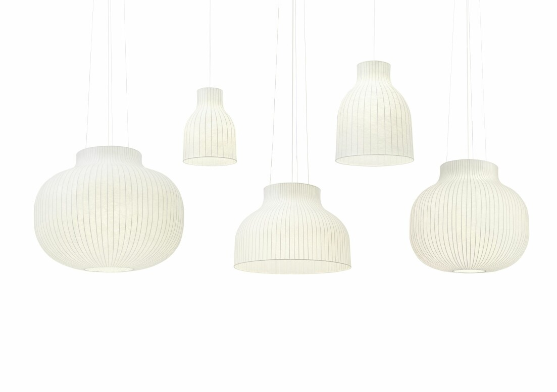 fem taklampor i vitt från Muuto