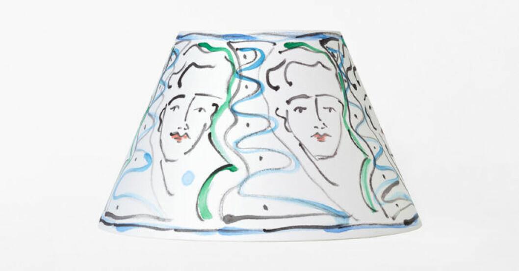 Lampskärm med konst från den nya limiterade Svenskt tenn-kollektionen
