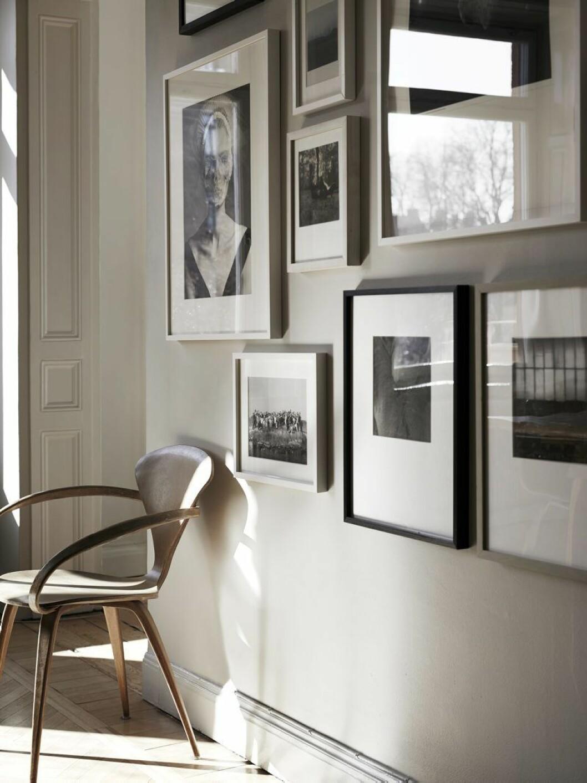 Hämta inspiration från tavelväggar som denna, stylad av Lotta Agaton.