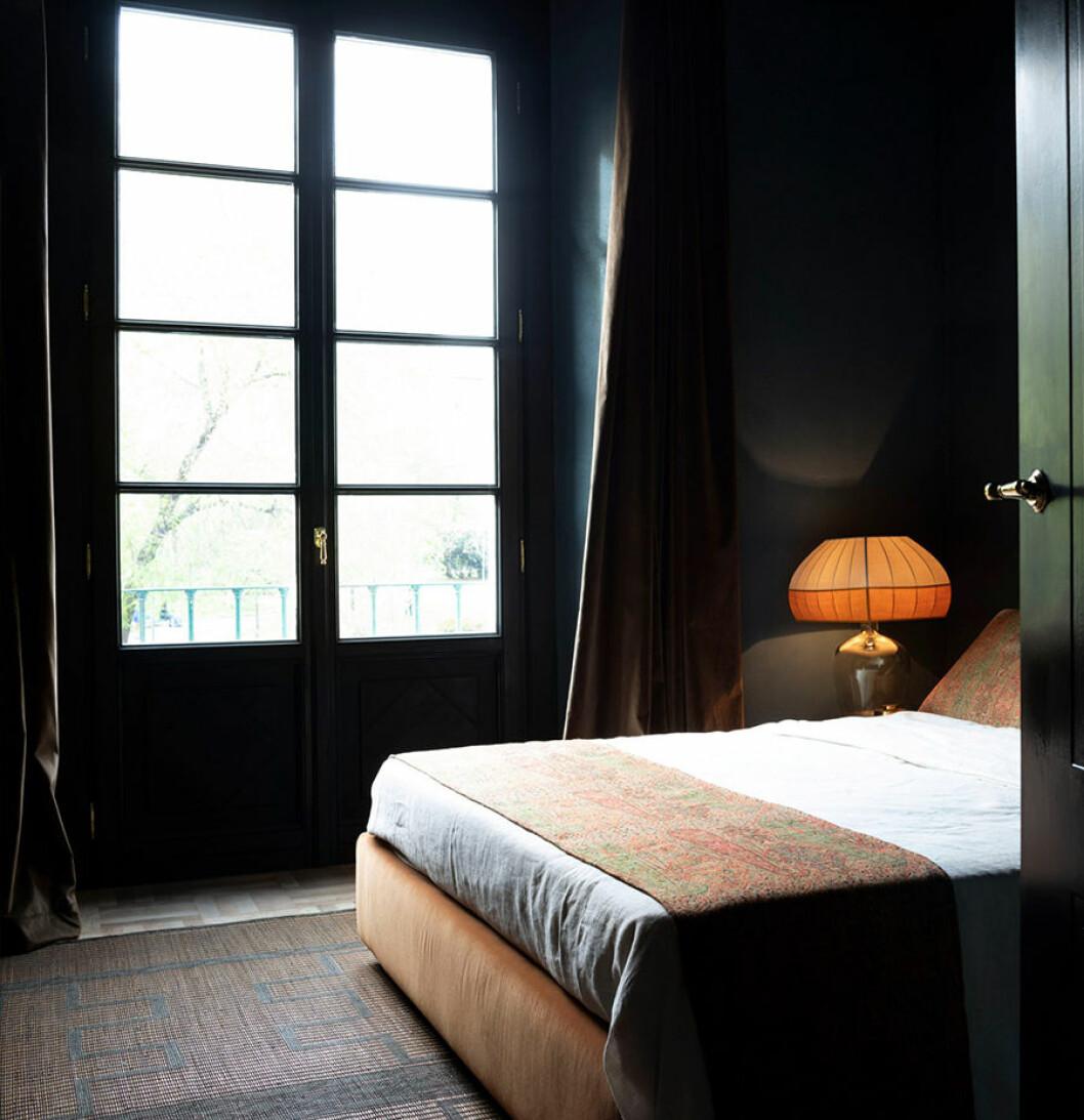 sister hotel säng