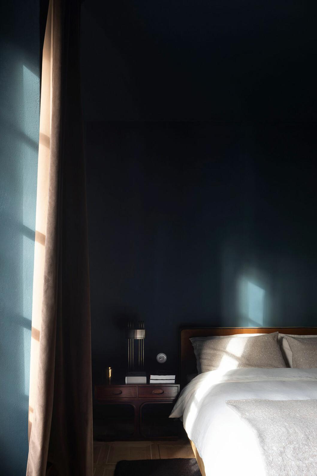 sister hotel säng 2