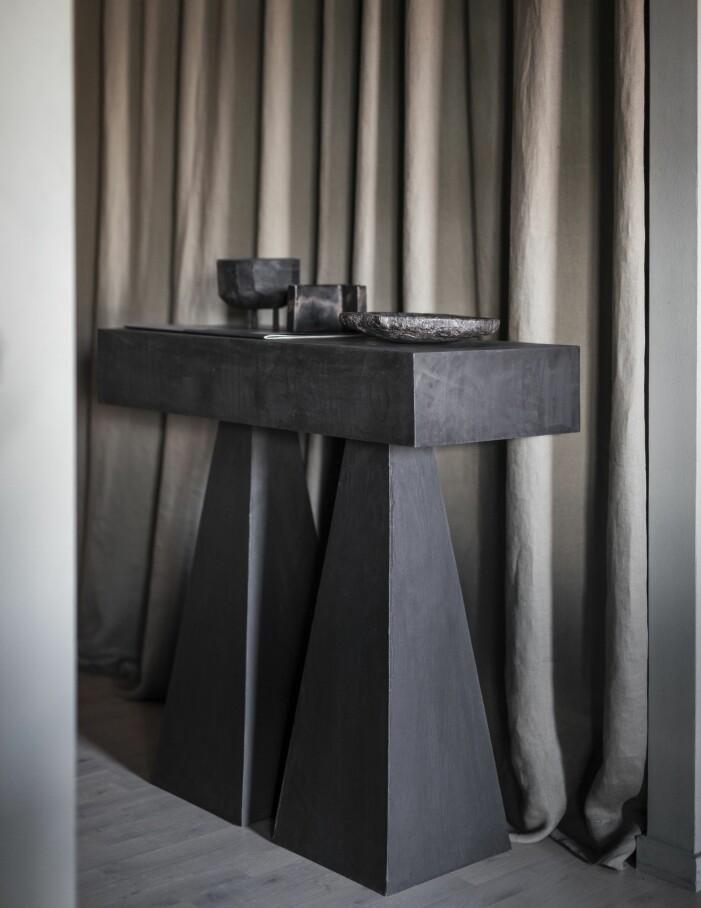 Torn, bord av formgivaren Lucas Morten