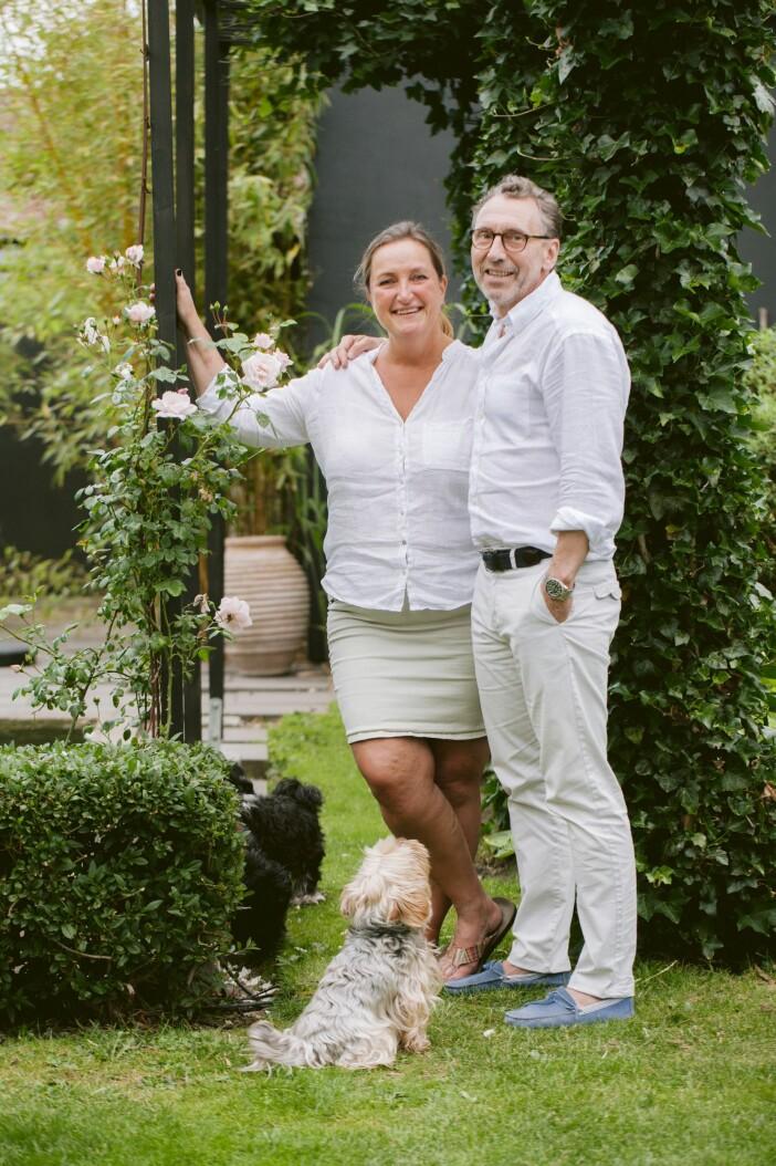 Trädgården i Lomma uteplats Charlotte och Per Jörgenssen