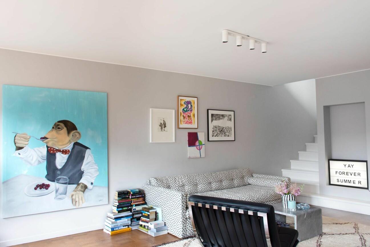 Hänga konst hemma hos Hannah Widell Ed-art