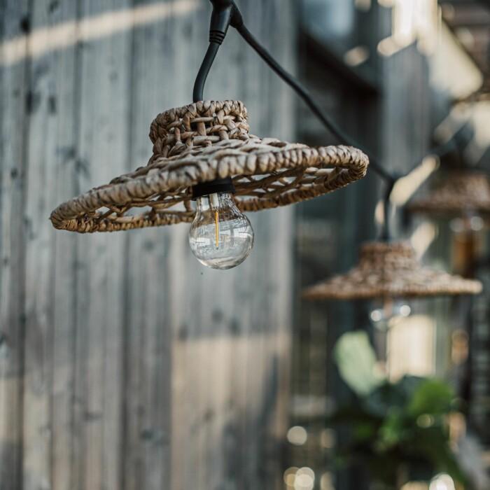 Cecilia von Mentzer tipsar om sju fina prylar till uteköket sommaren 2021 ljusslinga från Granit
