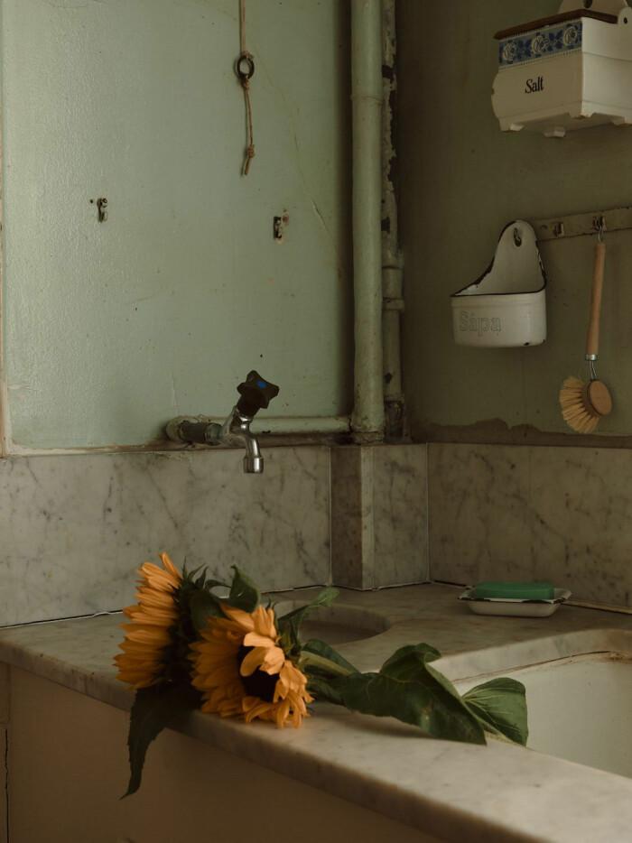över 100 år gammal marmorbänk