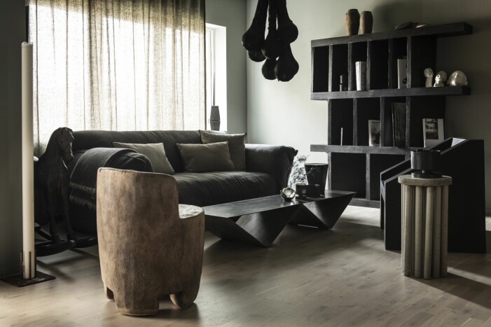 Vardagsrum hemma hos formgivaren Lucas Morten i Varberg