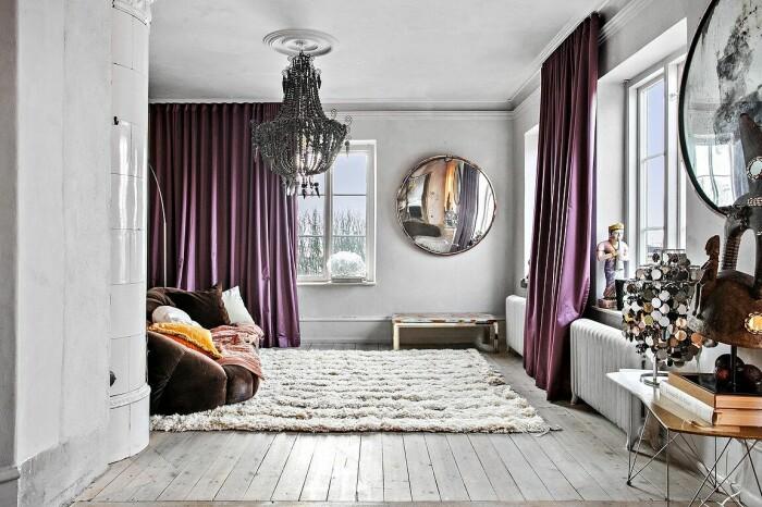 vardagsrum i grått och lila