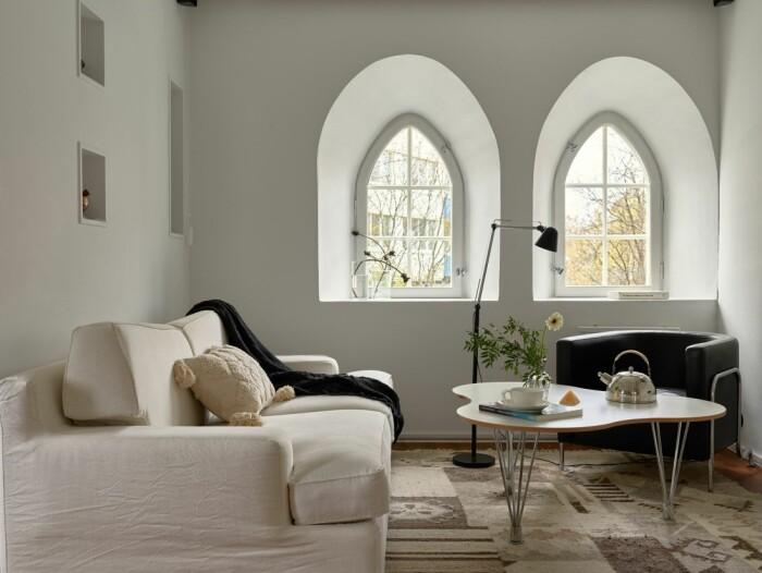 Vattentorn till salu på Lidingö Residence magazine soffa vardagsrum
