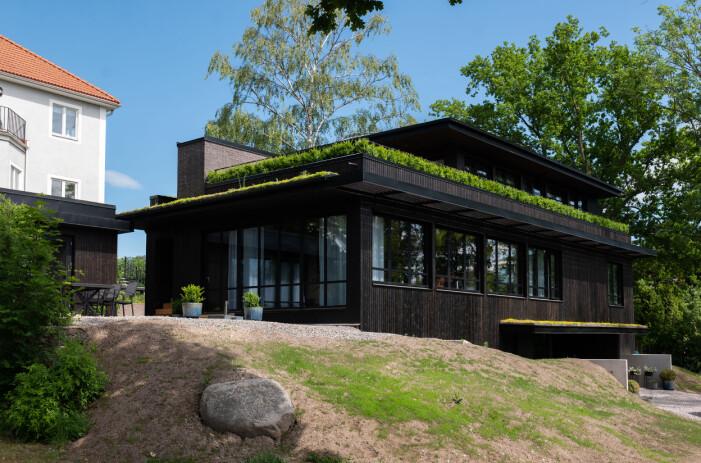 Villa J på Lidingö av Ariel Ramirez.