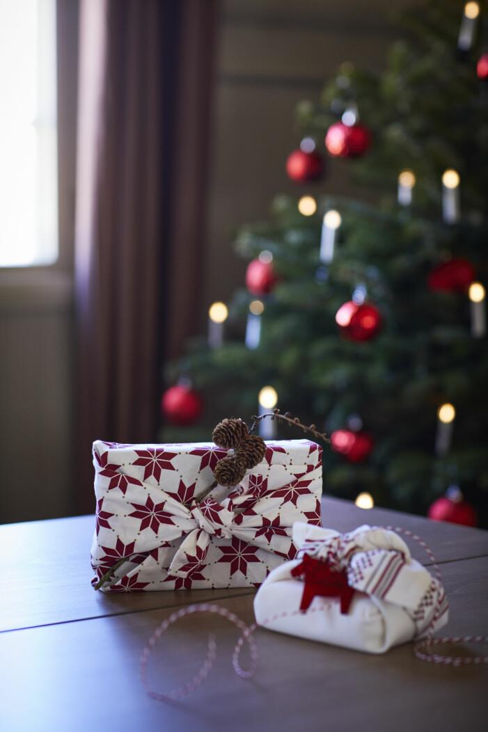 Julen på Ikea 2021, paketinslagning