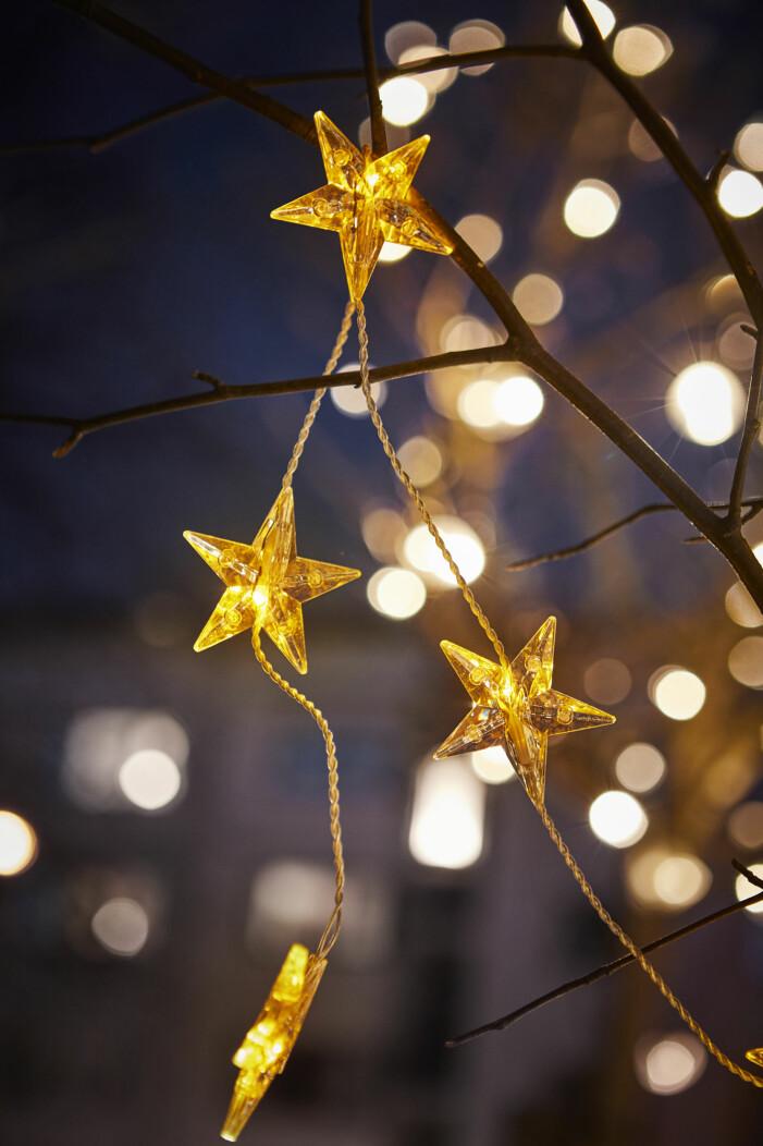 Julen på Ikea 2021, ljusslinga utomhus