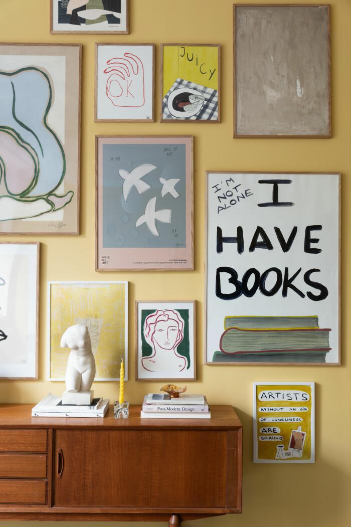 inspirerande tavelvägg i personlig stil från wall of art